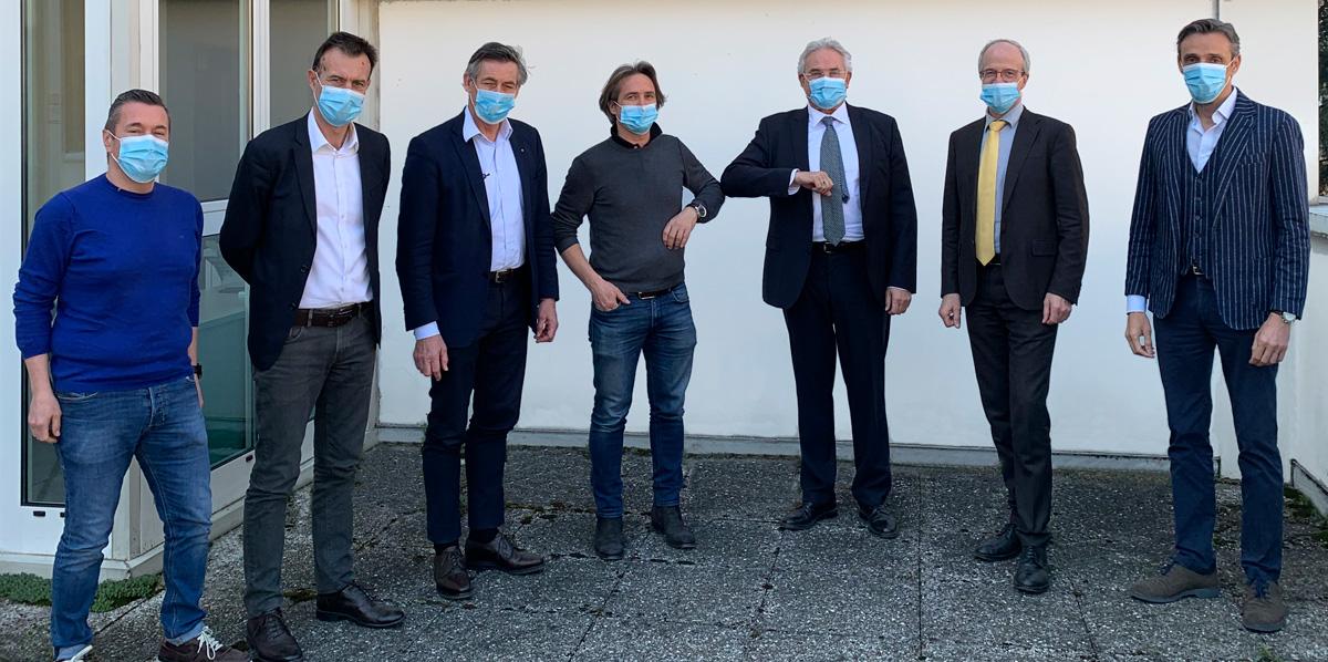 Gallmetzer-Holding-Schutzmasken-Foto